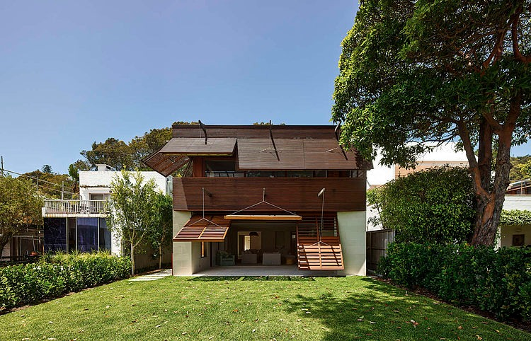 002-pittwater-house-andrew-burges-architects